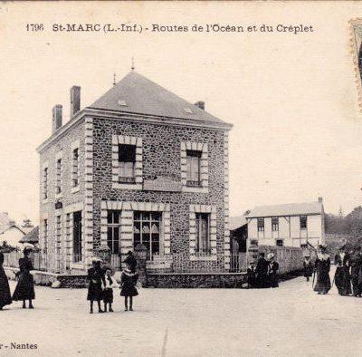 Carte postale de Saint-Marc centre avec place du café