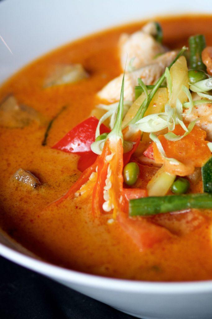 Poulet au Curry rouge, restaurant Le Centre