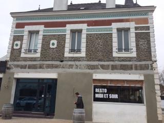 Pendant les travaux de rénovation au café-concert le Centre de Saint-Nazaire