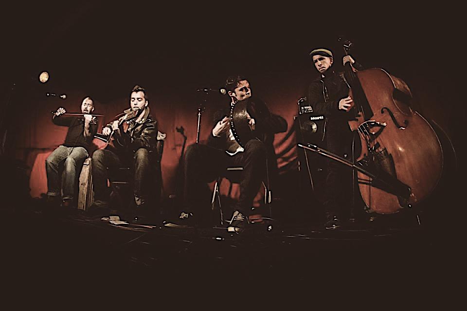 Awake jouent au café-concert Le Centre à Saint Nazaire