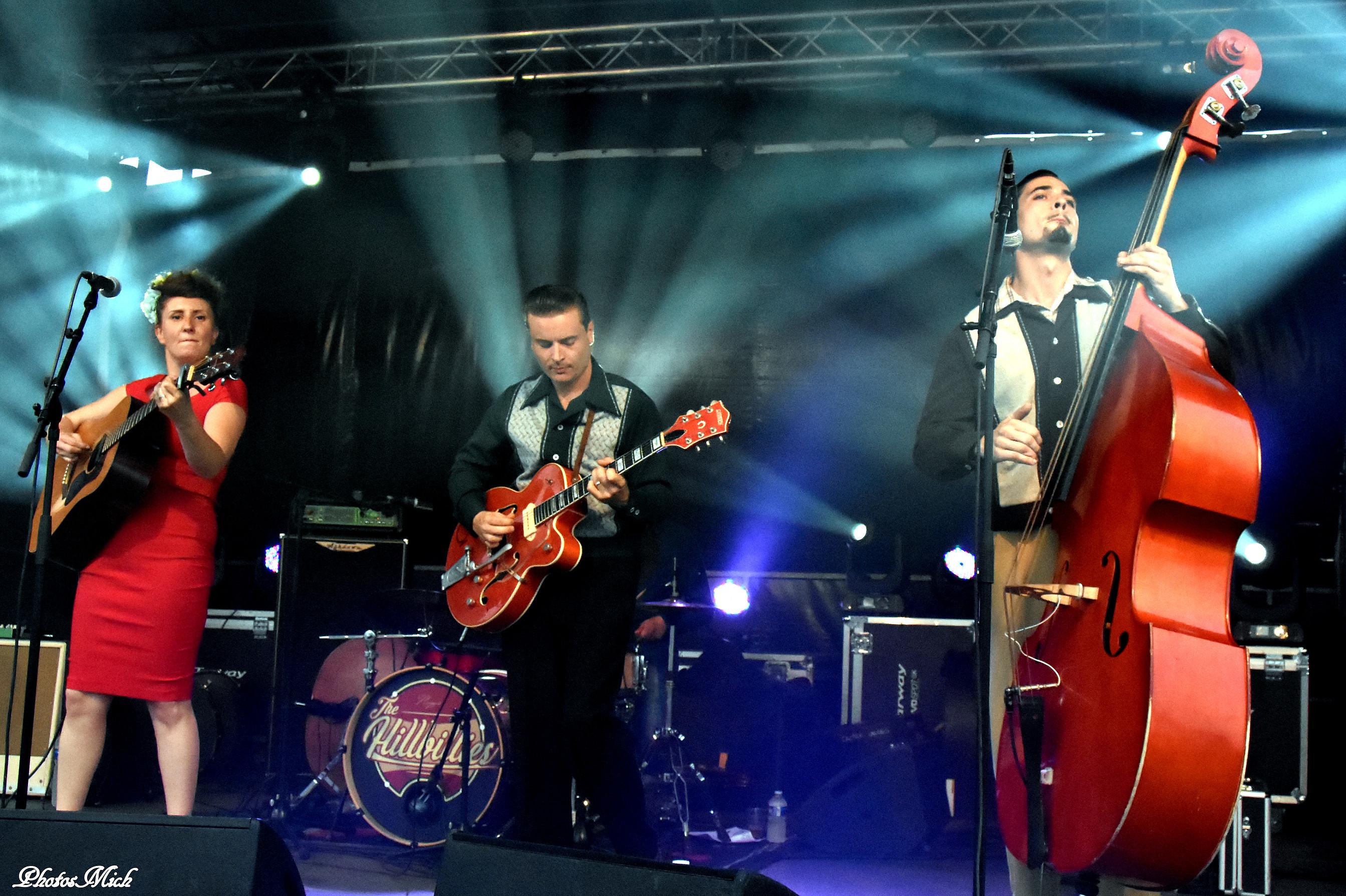 Les membres de The Cactus Candies sur scène qui viennent jouer au café-concert Le Centre à Saint Nazaire