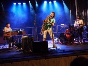 Le groupe Kopernik sur scène qui vient en concert au café-concert Le Centre à Saint Nazaire
