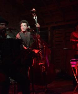 Yababam en concert au café concert Le Centre a Saint Marc sur Mer