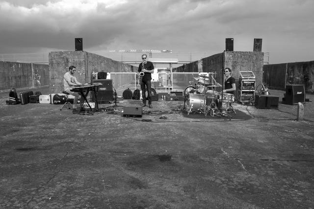 LK2, groupe de Saint-Nazaire en concert au café-concert Le Centre à Saint-Marc-sur-Mer