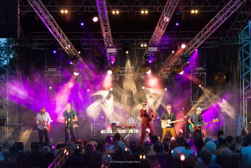 Le Groupe de Funk & New Orleans groove 'Leon Newars' sur scène au café concert Le Centre à Saint-Nazaire