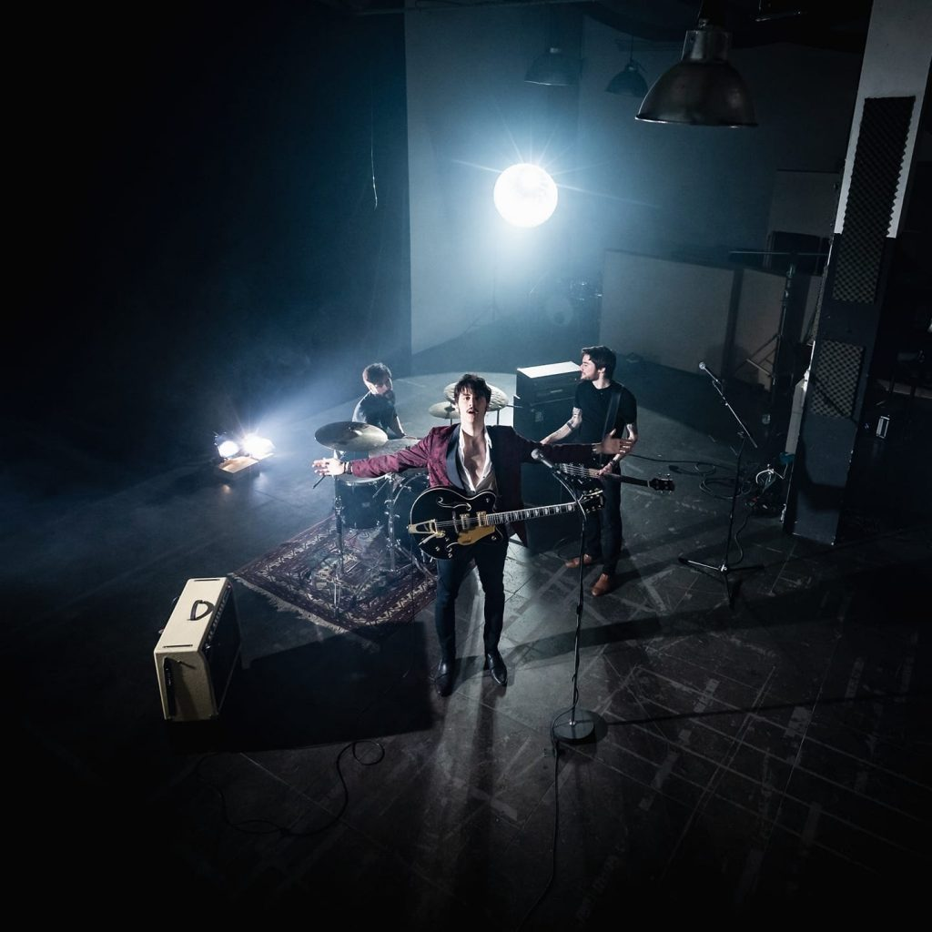 Storm Orchestra, groupe de rock puissant, live sur la scène du café Le Centre à Saint-Nazaire