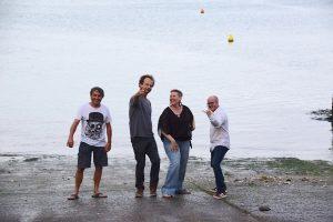 Les 4 musiciens du groupe 'Betty Bunker' en concert au Café Restaurant Le Centre à Saint-Nazaire