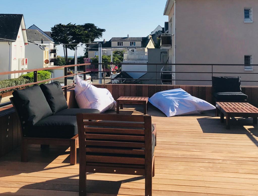 La terrasse du Centre Affaire au premier étage du café-concert Le Centre vue Ocean