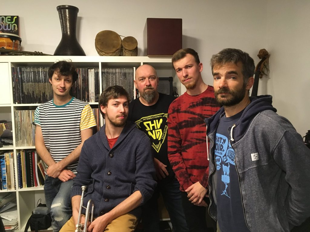 Grove one, groupe de musique jazz moderne en concert au café restaurant Le Centre à Saint-Nazaire
