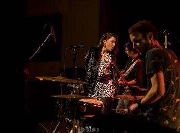 Groupe de pop/rock 'Golden Gasoline' en concert au café restaurant Le Centre à Saint-Nazaire